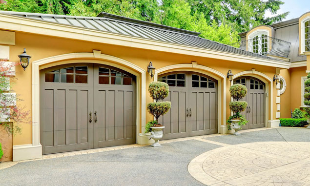 Overhead Garage Door Repair Phoenix. Phoenix, AZ